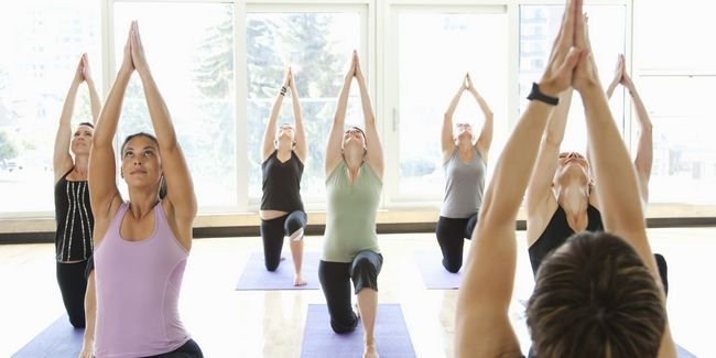 Comment devenir un instructeur de yoga